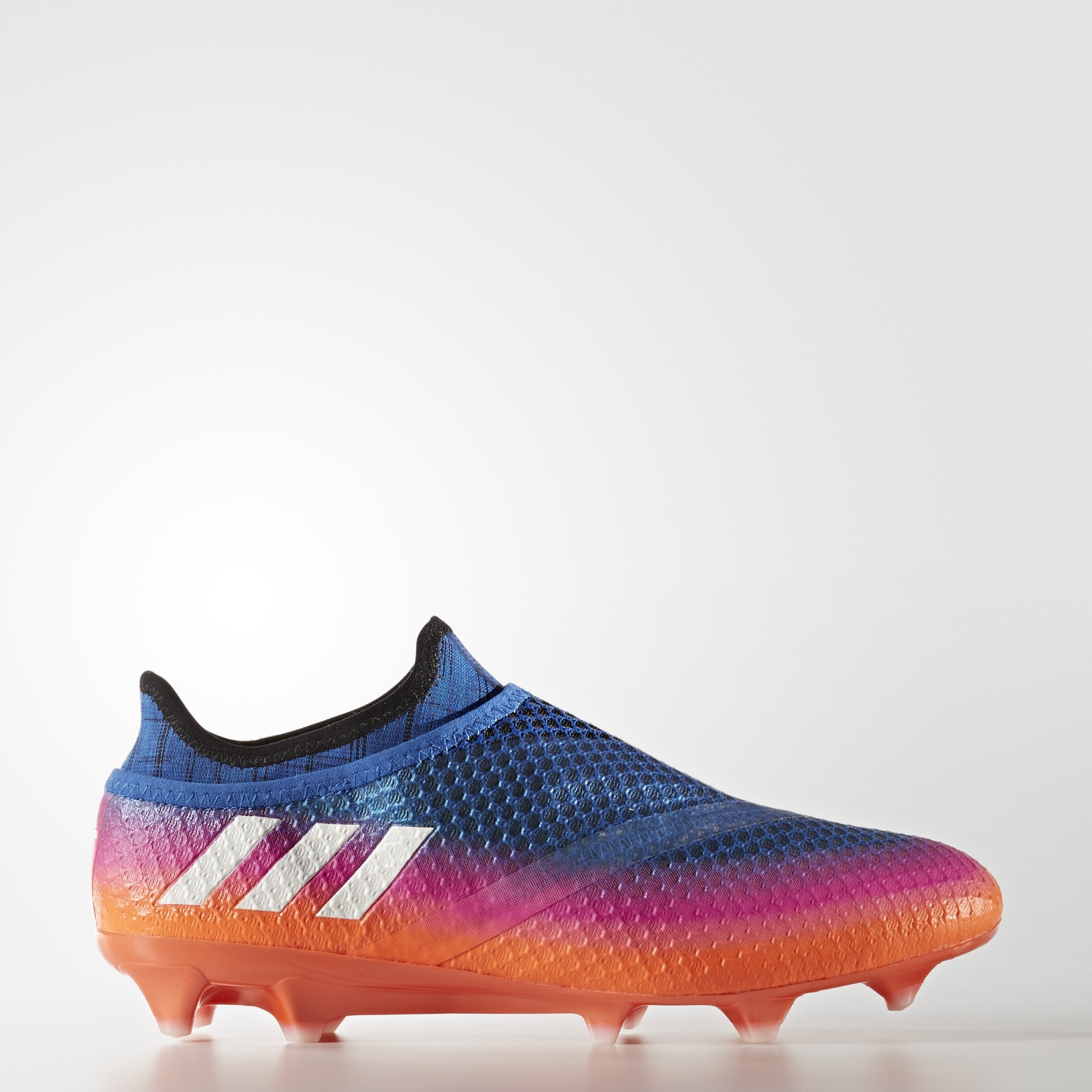 buy online e356c 99ed4 ... with the PUREAGILITY heel liningMove with untouchable speed and agility  on firm ground (dry natural grass) with the Messi FG stud alignmentImported